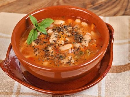 Постна супа от боб (боб чорба) - снимка на рецептата